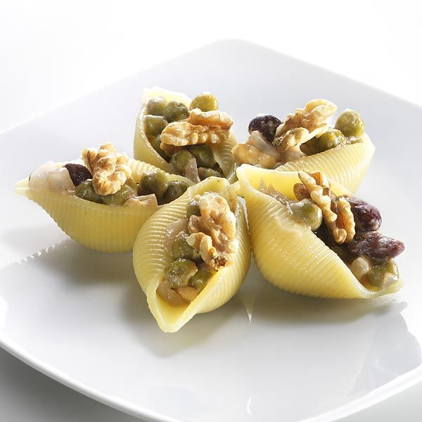 Jumbo shells filled with pasta salad minus the pasta for Finger food ricette