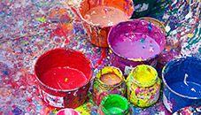 Papel de parede de baldes salpicados de tinta do tema Borrifo de Cores