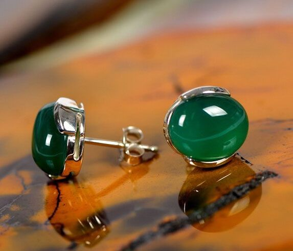 Green Jade Stud Earrings Er049