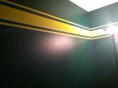 Oregon ducks decor   house in 2019   Football bedroom ...