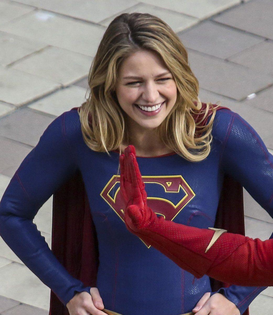 Supergirl Theflash Arrow Melissabenoist Bts Season4 Crossover