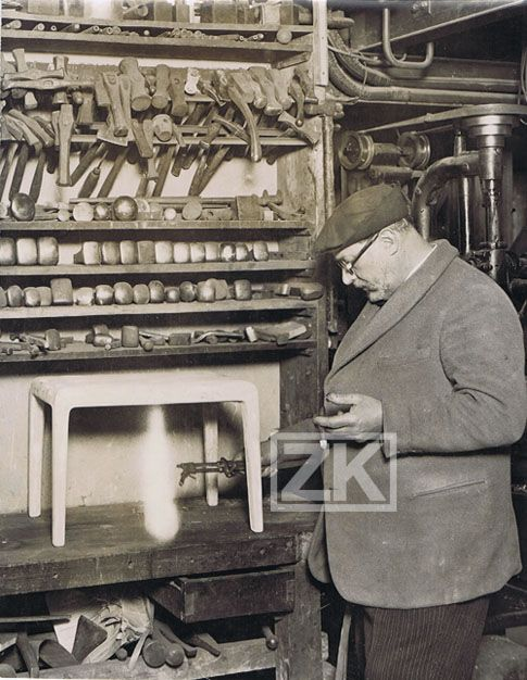Jean Dunant dans son Atelier