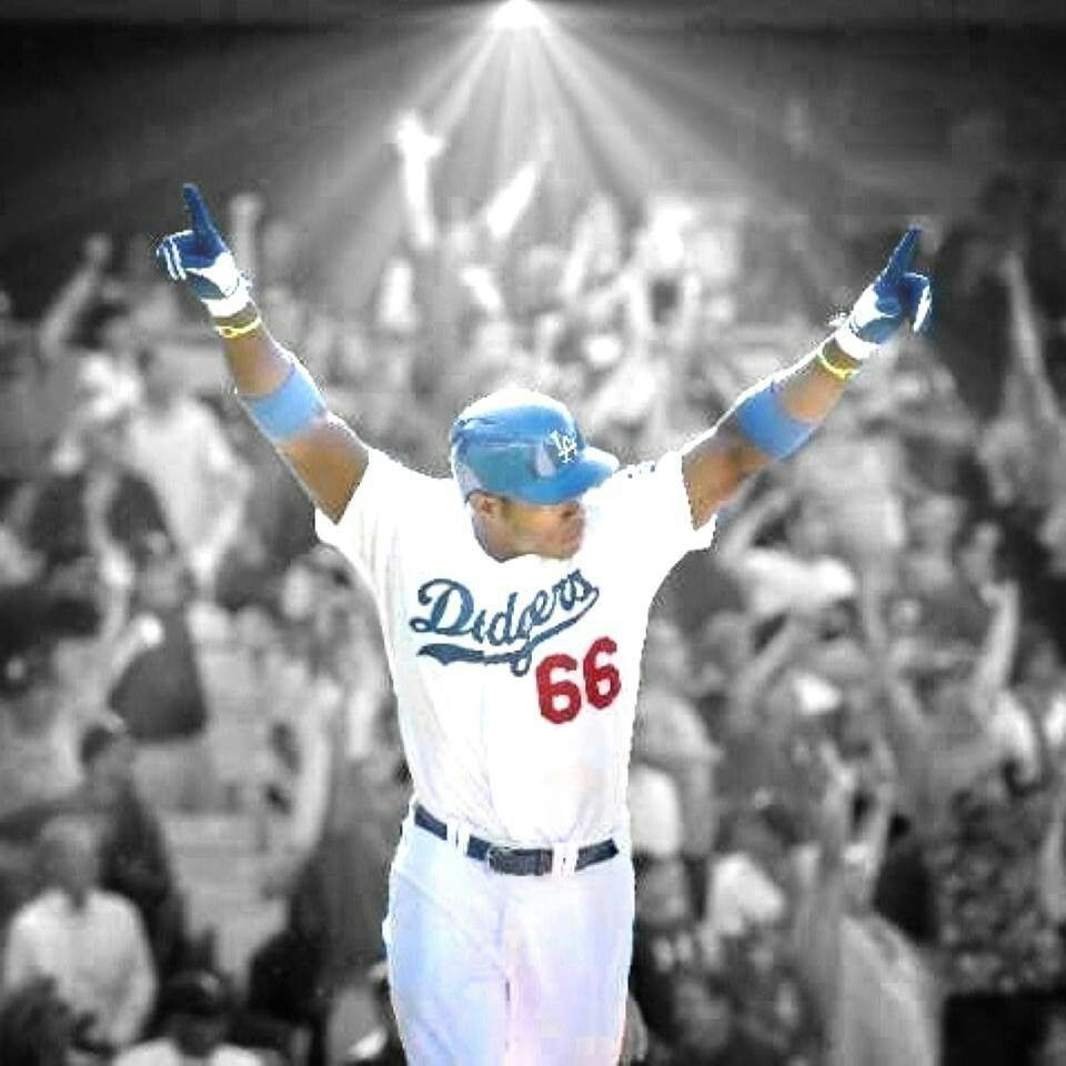 Pin By The Artful Dodger Hudson On Dodgers Boys In Blue Sports Hero Dodgers Baseball Dodgers