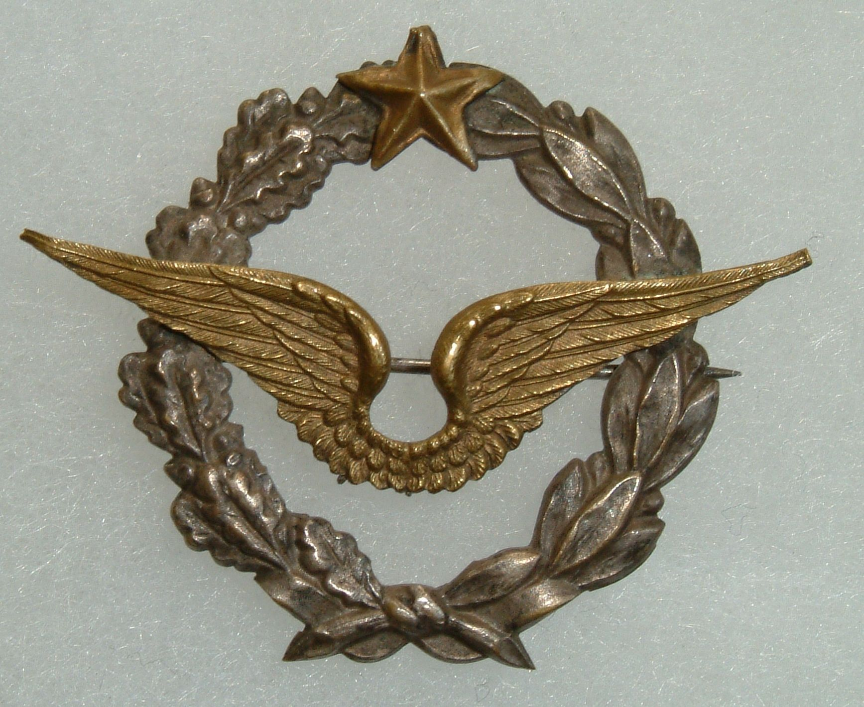 pre 1916 unofficial private purchase French Pilots badge