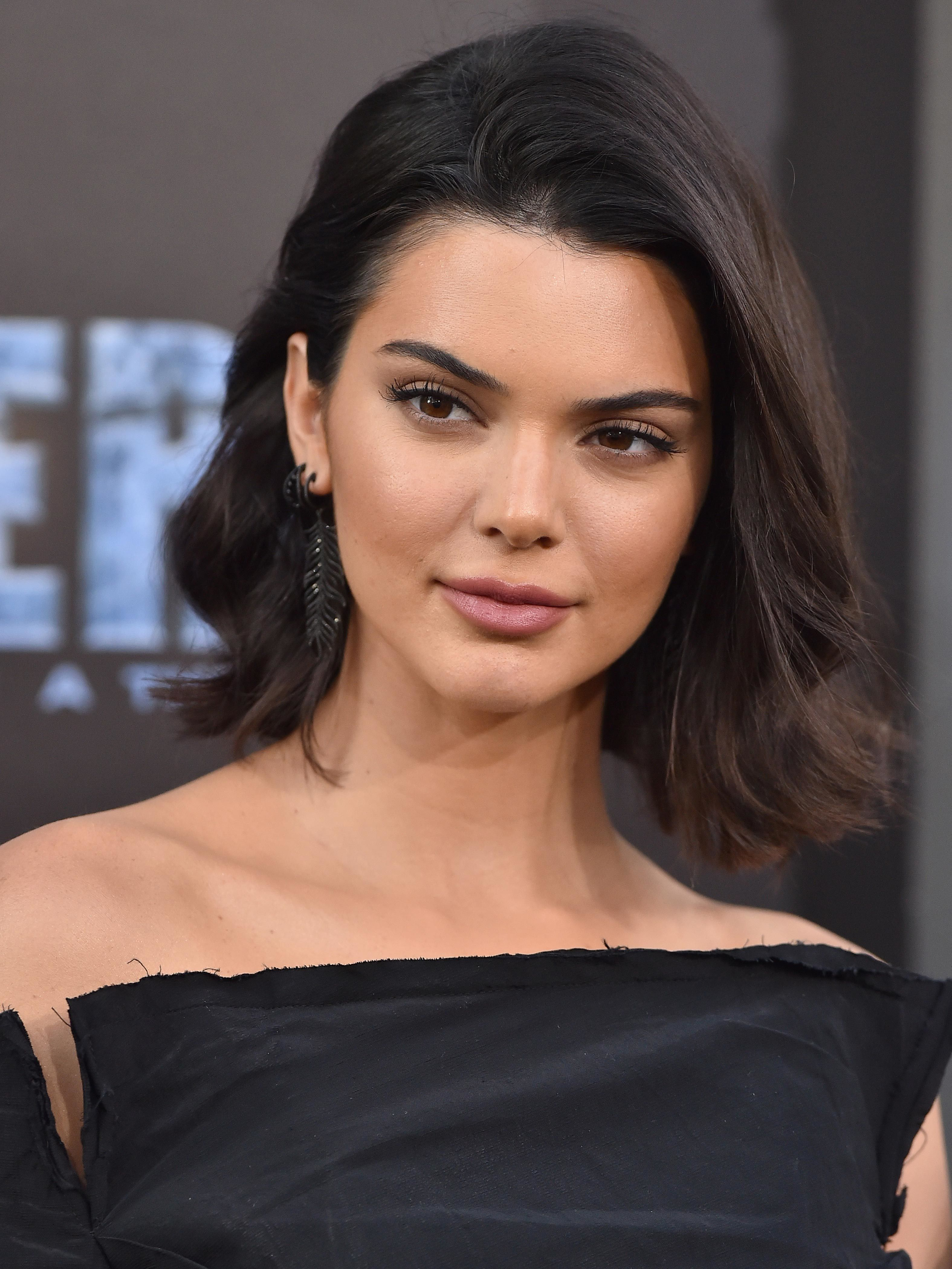 Kendall Jenner Now Has a Pixie Cut — And She Looks EXACTLY Like Kris