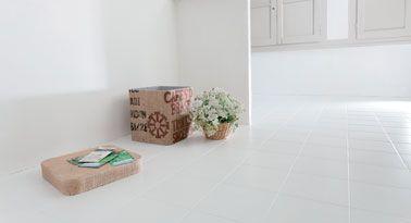 Peindre du carrelage sol dans la salle de bain salle de - Peinture resine pour carrelage salle de bain ...
