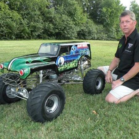 Kevin Holmlund S Incredible Conley V8 Powered 1 4 Scale Grave Digger Monster Truck Video Monster Trucks Rc Cars Rc Monster Truck