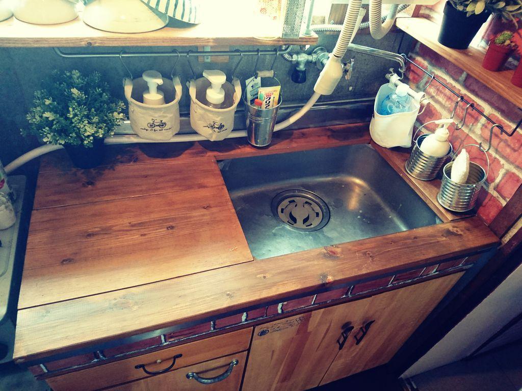 築30年のステンレスキッチンをロッジ風カフェ系キッチンへ簡単diyリノベーション ステンレスキッチン キッチン Diy キッチン