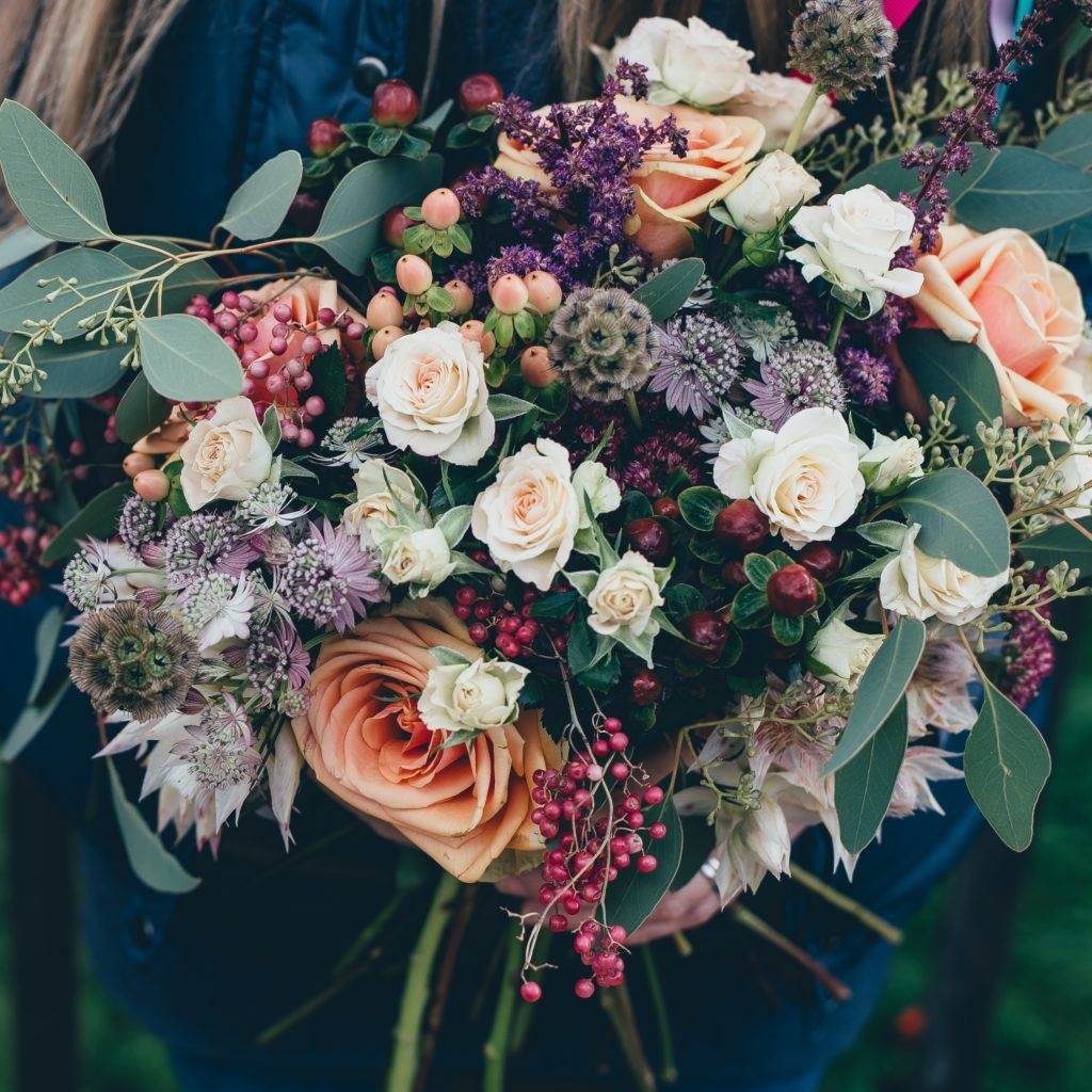 Floral Designer Skills Salary And 2020 Sample Resume Fall Wedding Colors Wedding Theme Colors Flowers Bouquet