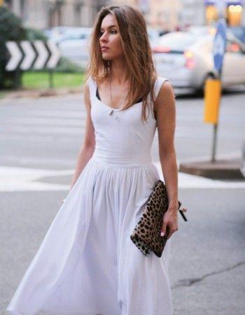 """5daf9aacd9 Mała biała"""" - Białe sukienki 2017"""