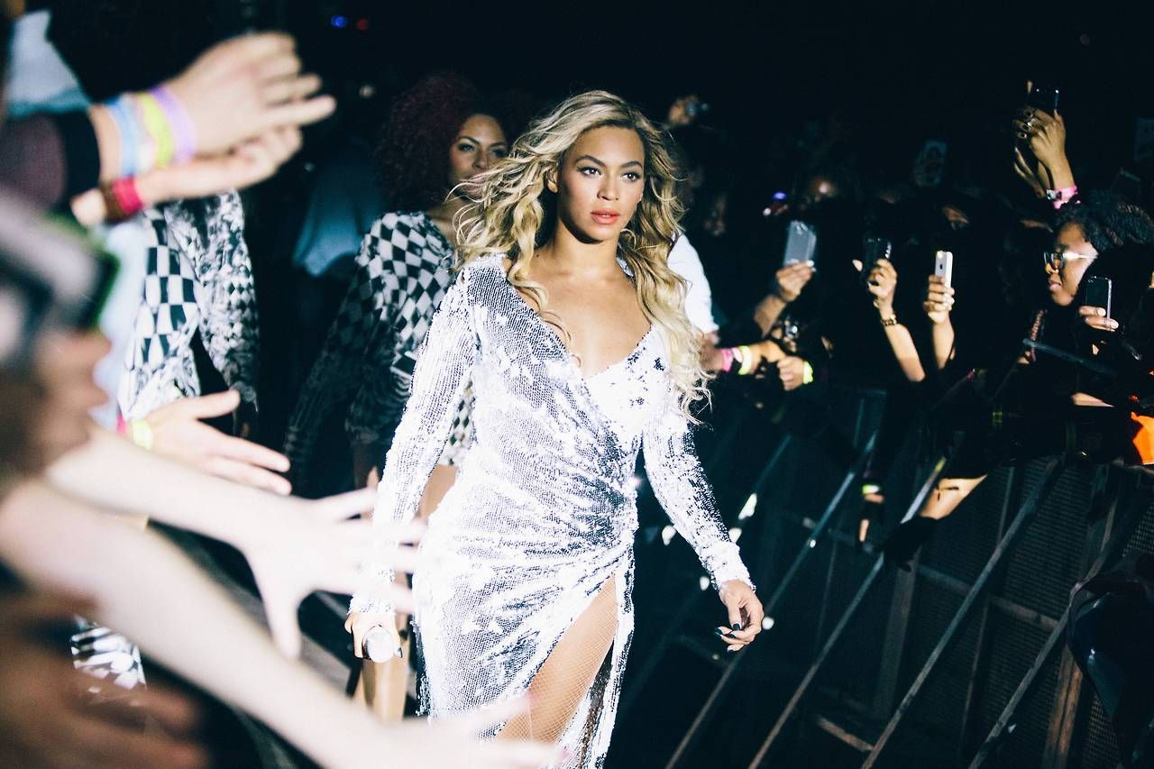 Beyonce wishes sir rumi carter happy birthday during on the run ii show
