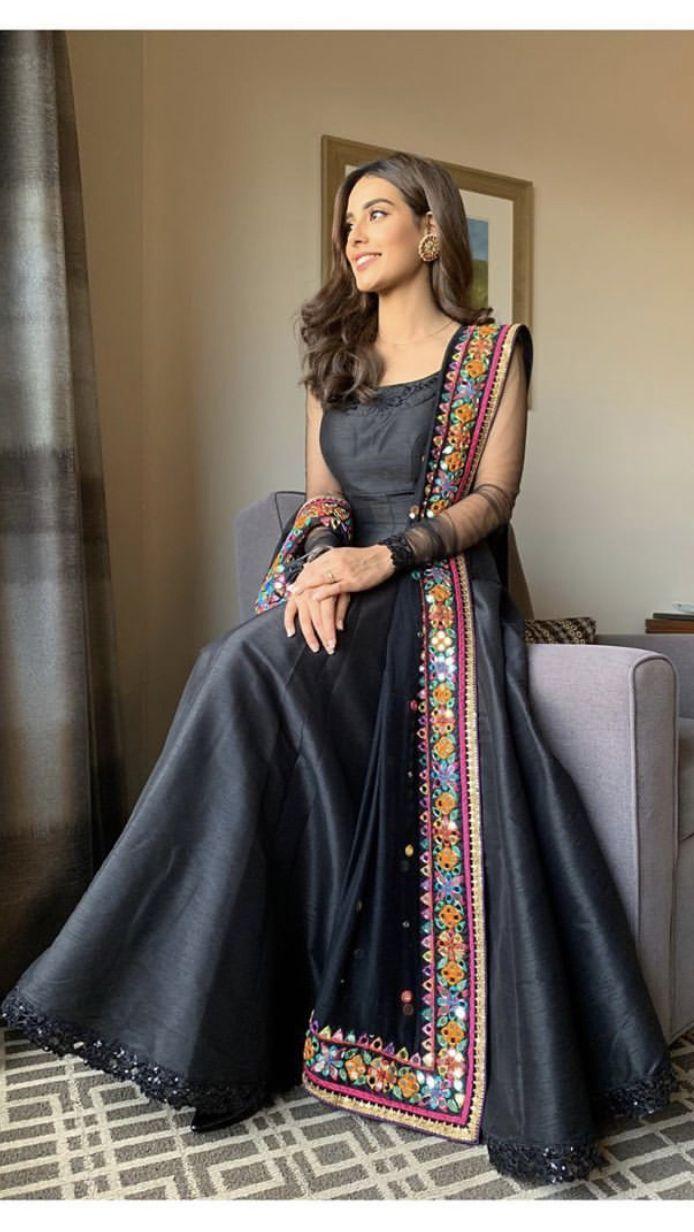 pin von malayka auf sari bluse designs in 2020 | indische