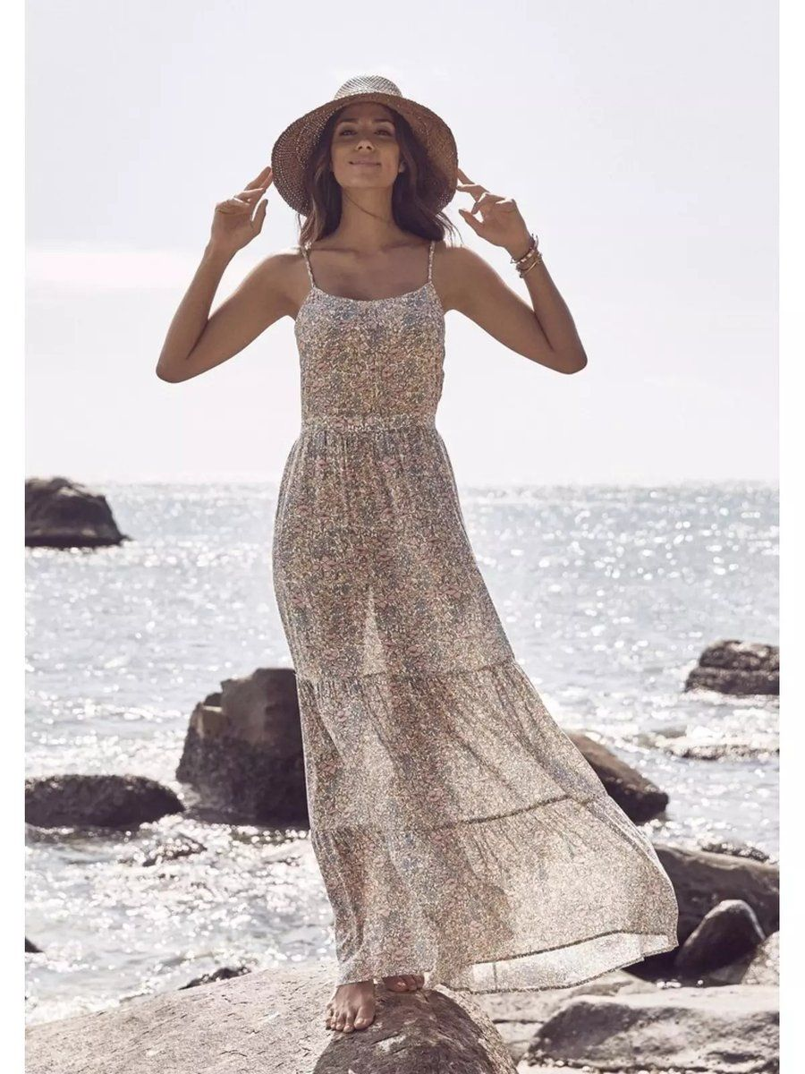 b2bed93578af94 Boho Beach Hut has a Great Selection of Chic Dresses