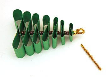 Paper Strips Christmas Tree step 10 make loop in chenille wire