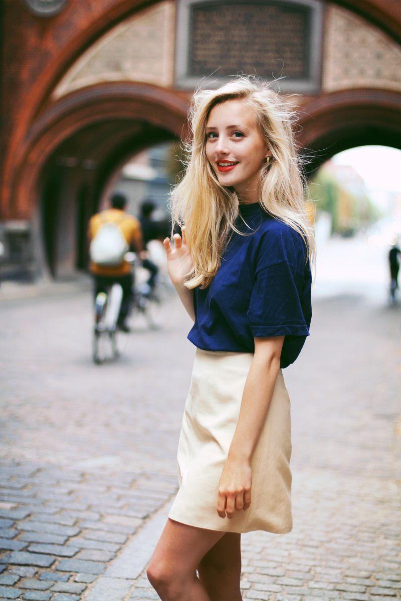 DIY Cupcake Holders | Cream skirt, Blue tops and Street styles