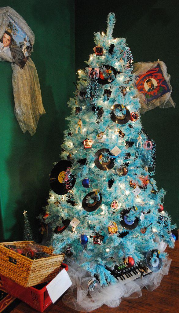 Nostalgia themed Christmas tree at the Santa Claus ...