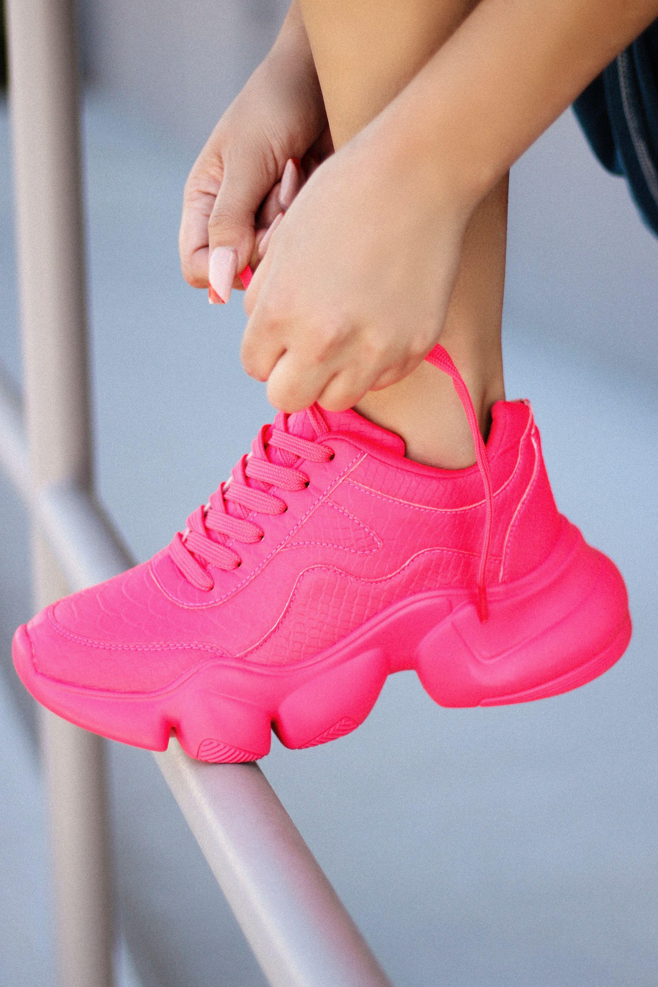 NEON PINK SNEAKERS   Pink sneakers
