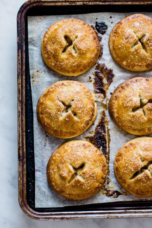 apple hand piesReally nice recipes. Every hour.Show me what you  Mein Blog: Alles rund um die Themen Genuss & Geschmack  Kochen Backen Braten Vorspeisen Hauptgerichte und Desserts # Hashtag
