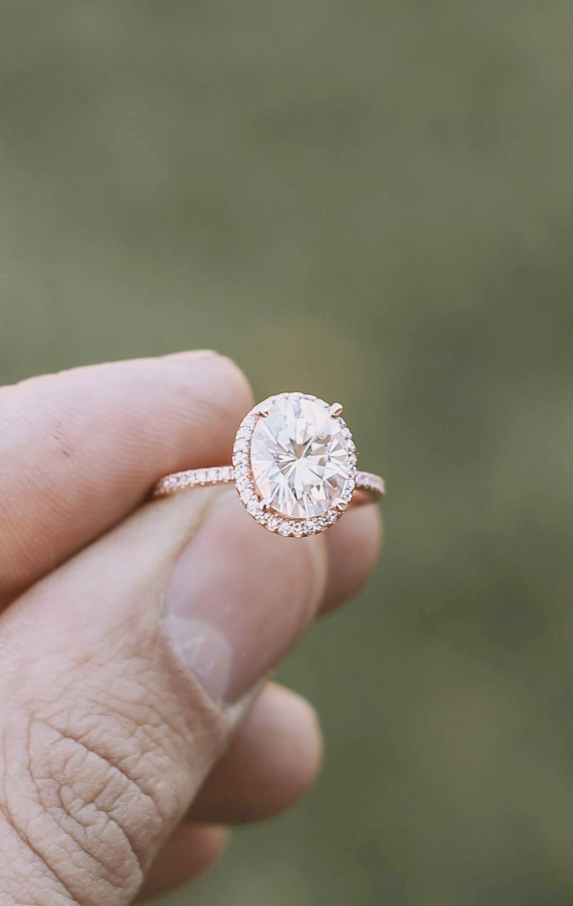 Swooning Over This Glam Halo Engagement Ring Verlobungsringe In