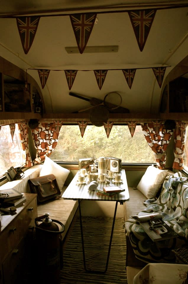 Retro photo booth caravan with original vintage and antique furnishings and props. Based in East Yorkshire but we do travel