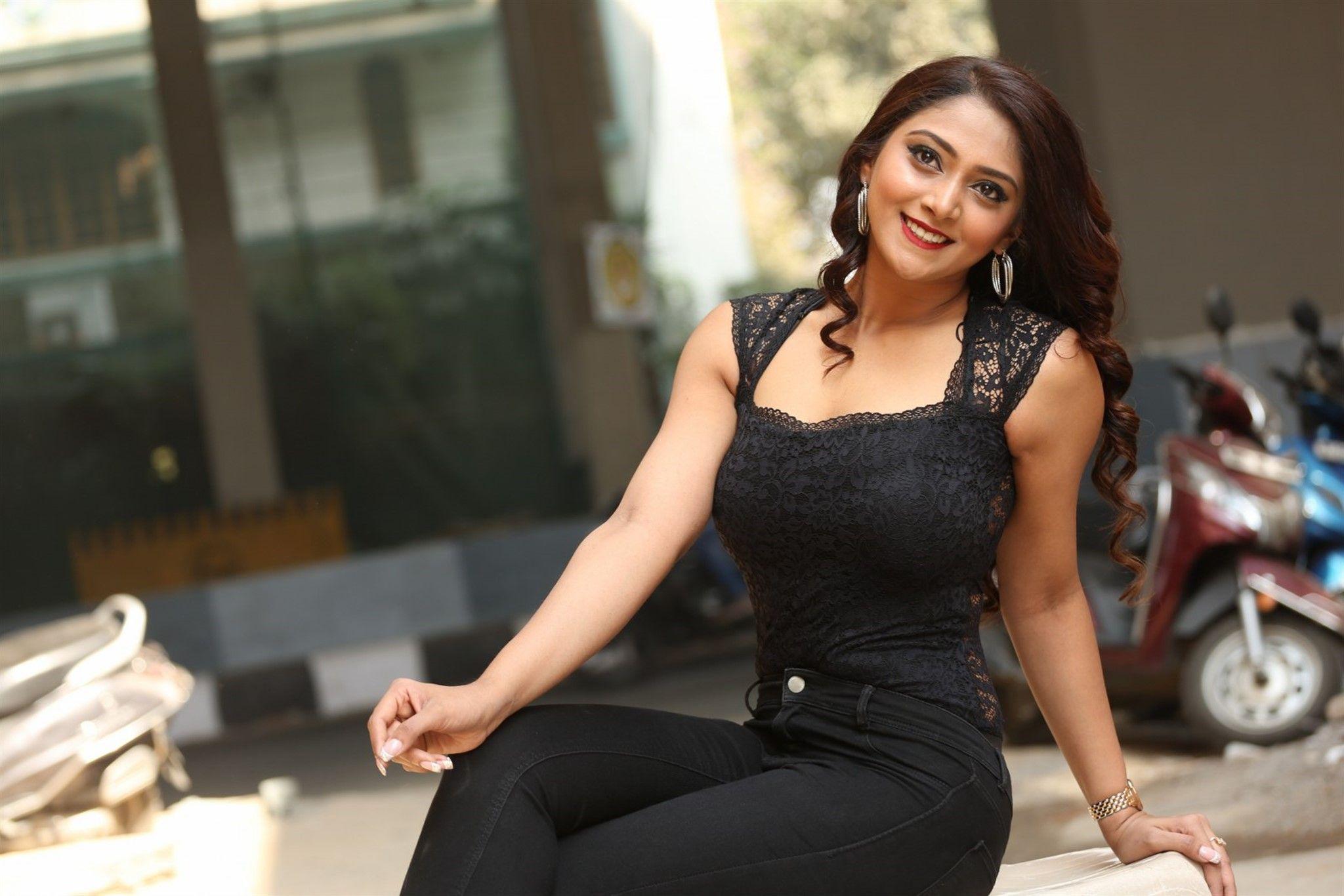 natasha model Hot indian