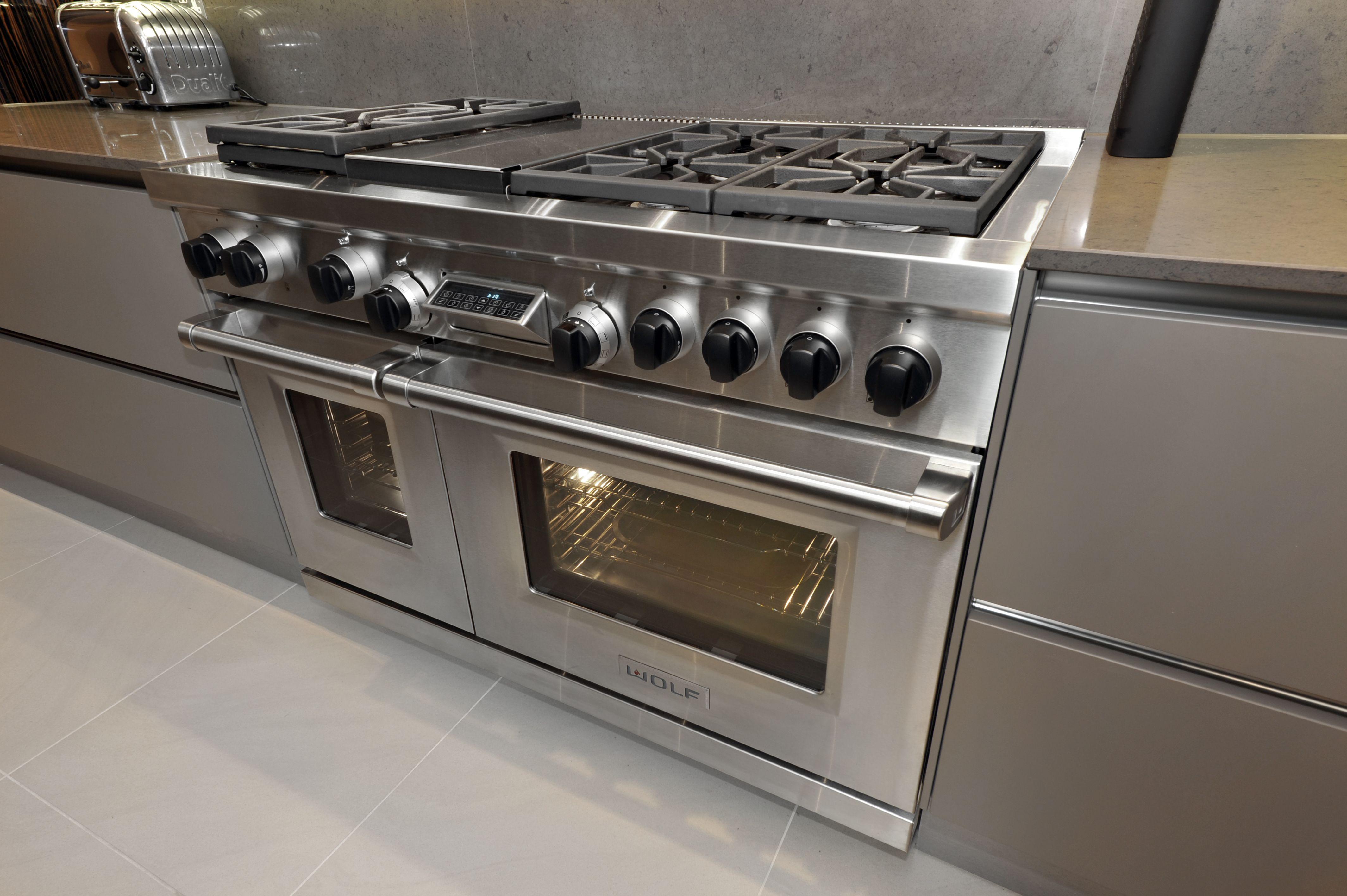 Extreme Design Quality Kitchen. Wolf Oven Kitchen Appliances. Good Looking