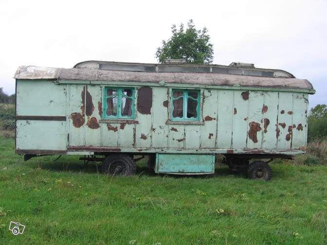 vieille roulotte buggenhout annee 1920 a restaurer caravaning ardennes leboncoin fr roulotte caravane vieux