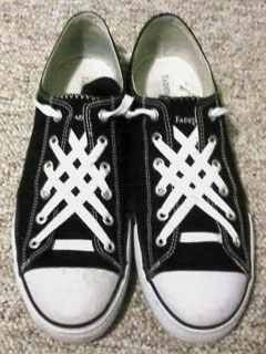 45d5fe48c942 Cool way to lace your Converse.