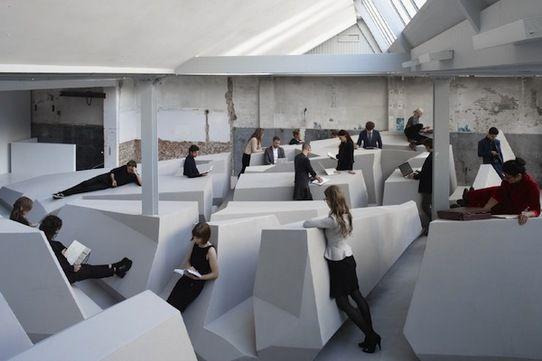 Pourriez vous travailler dans cet open space où la position assise