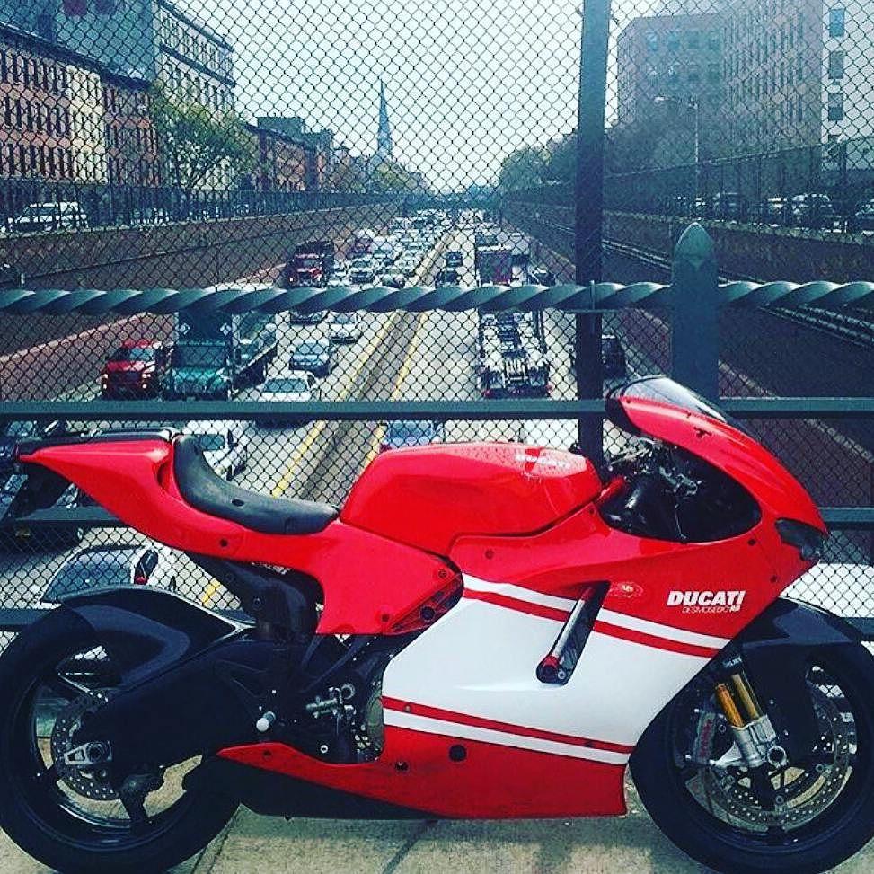 Sigam nossos aliados @moto_1000_grau @furia2rodas_fulloriginal @preparadasdenatal @familia_600_cilindradas @motoka_show @cortando_na_alta @_motos.com_ @mirage_250 @uniao_sobre_2_rodas @motorcycle_and_cars #motorcycles#xj6#hornet#cb650f# #harleydayvidson#fireblad#yamaha#hayabusa#triumph#aprilia#honda#suzuki#z1000#z800#kawasaki#mt07#mt09#ninja#motostopshow# Deus é maior by vncrj