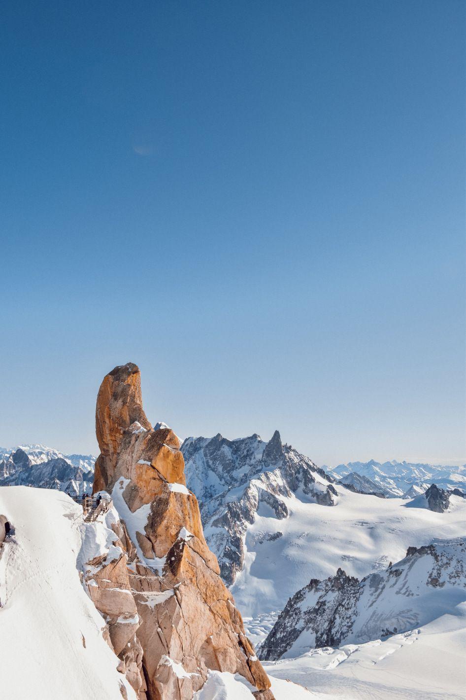 La Visite De L Aiguille Du Midi Au Plus Pret Du Mont Blanc A Chamonix Avec Images Mont Blanc Chamonix Aiguille Du Midi