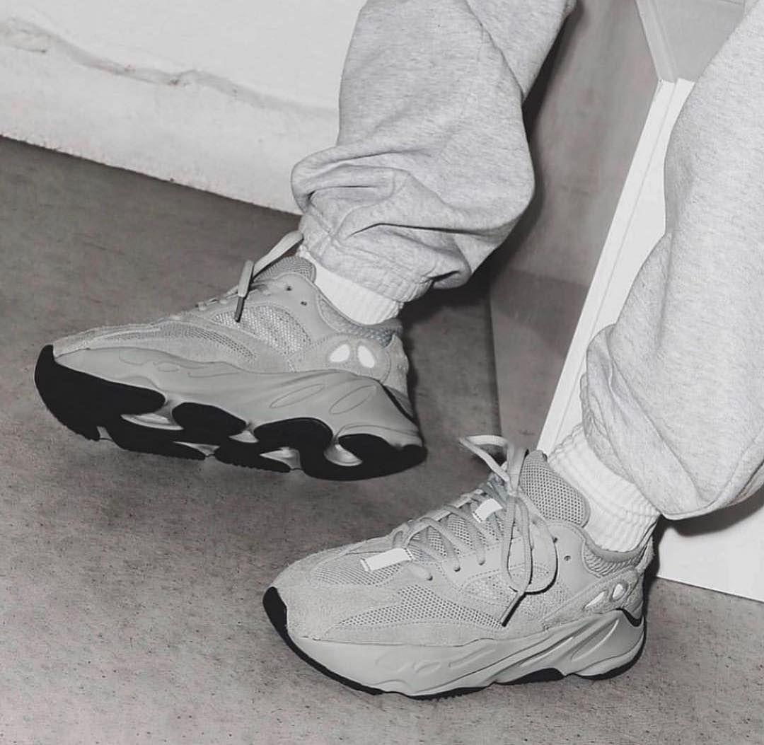 adidas yeezy 700 salt raffle