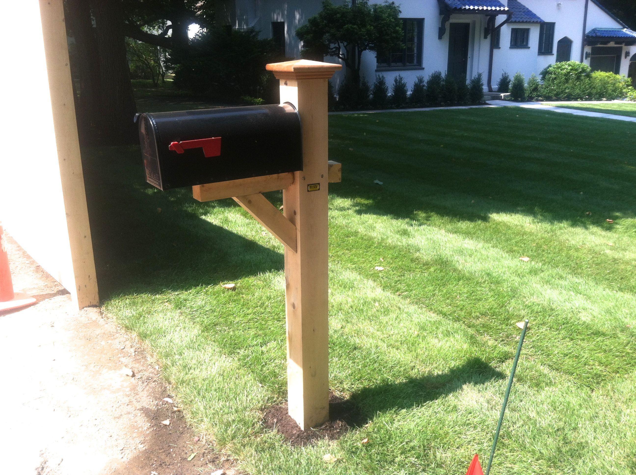 Cedar Mailbox Post With Colonial Cap Cedar Mailbox Post Mailbox