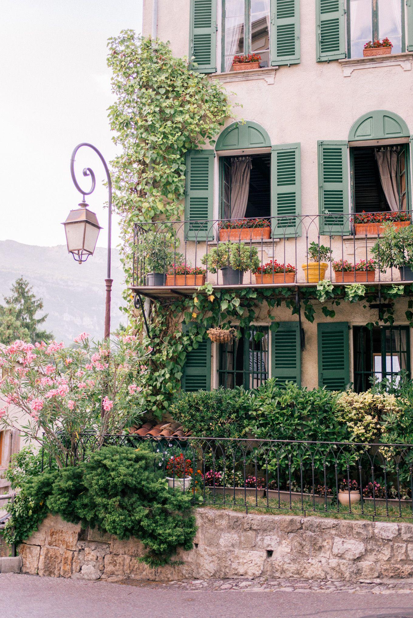 Gal Meets Glam L'Escale de Ciel, France - Du Ciel Bed and Breakfast France