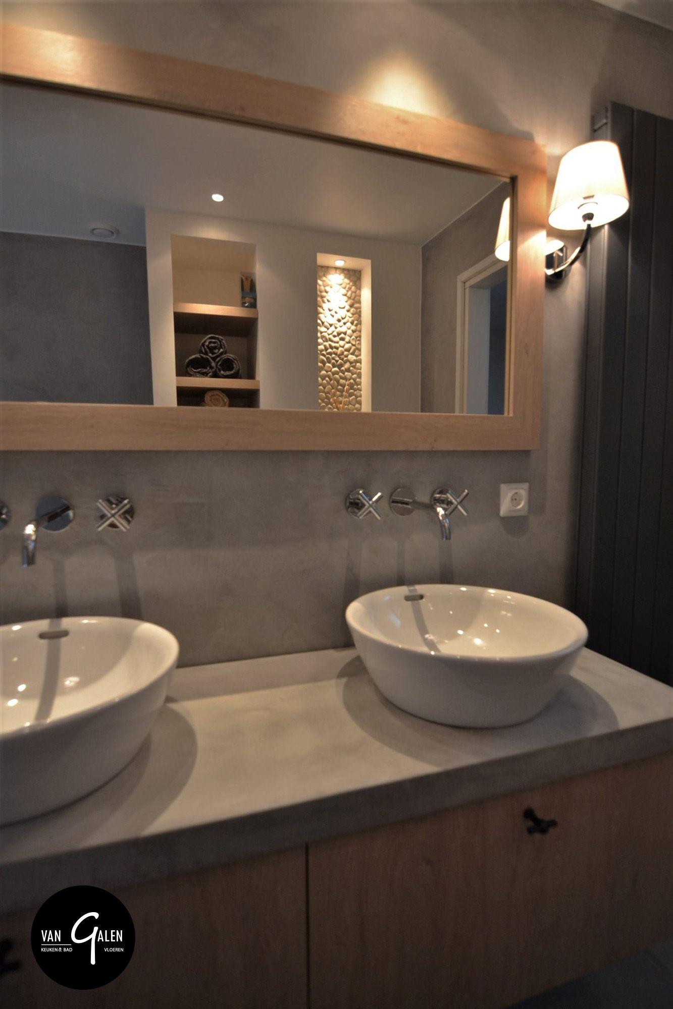 Landelijke maatwerk badkamer met natuurlijke materialen. Maatwerk ...