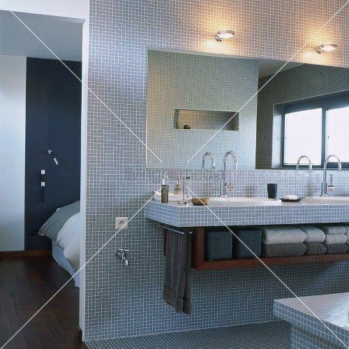 Design#5001950: Living4media - mit blauen mosaikfliesen gefliestes badezimmer mit .... Geflieste Badezimmer
