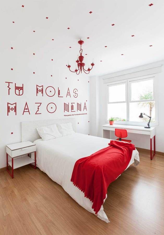 La habitaci n roja cuadros y l minas en 2019 - Decoracion piso de estudiantes ...