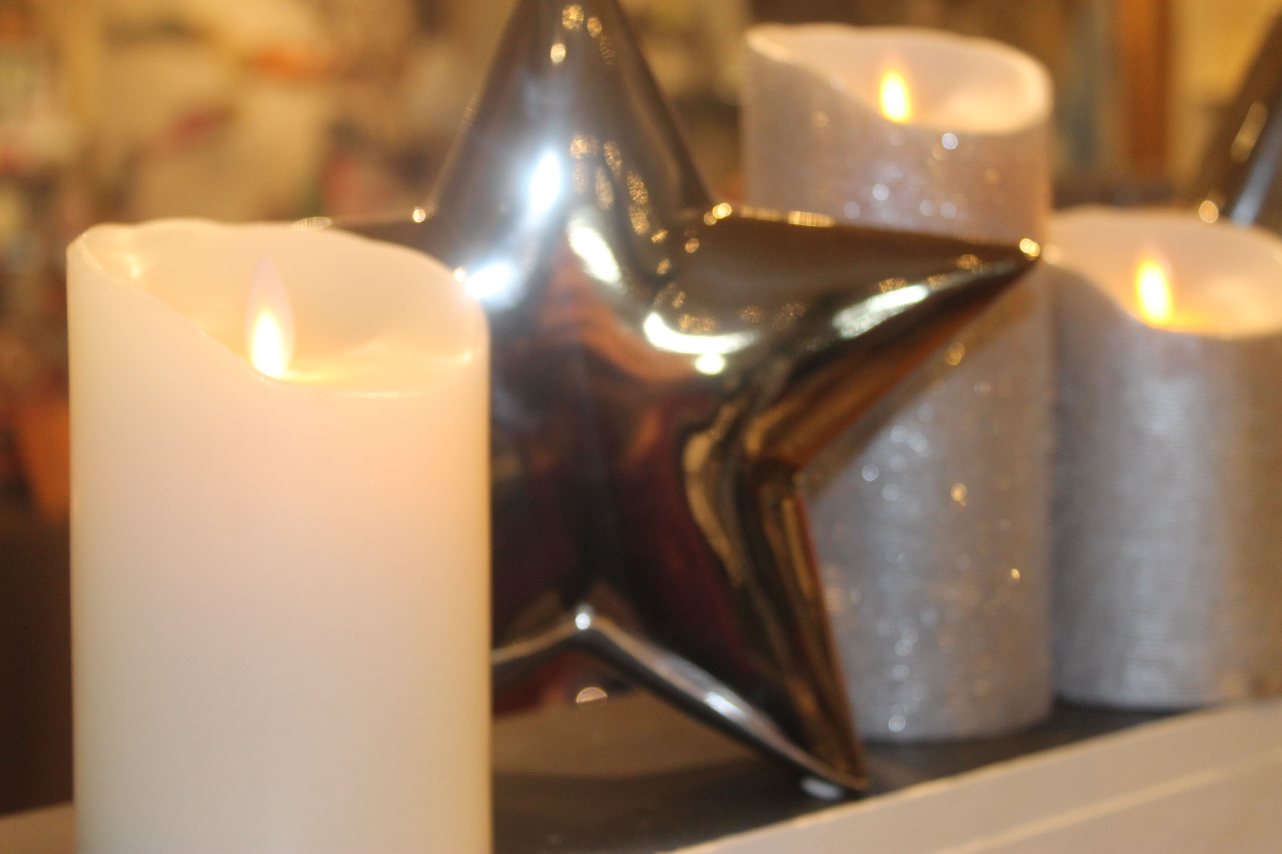 Reallite candles have such a realistic look nobody will ever know they're not! No flame, no drips no worries!