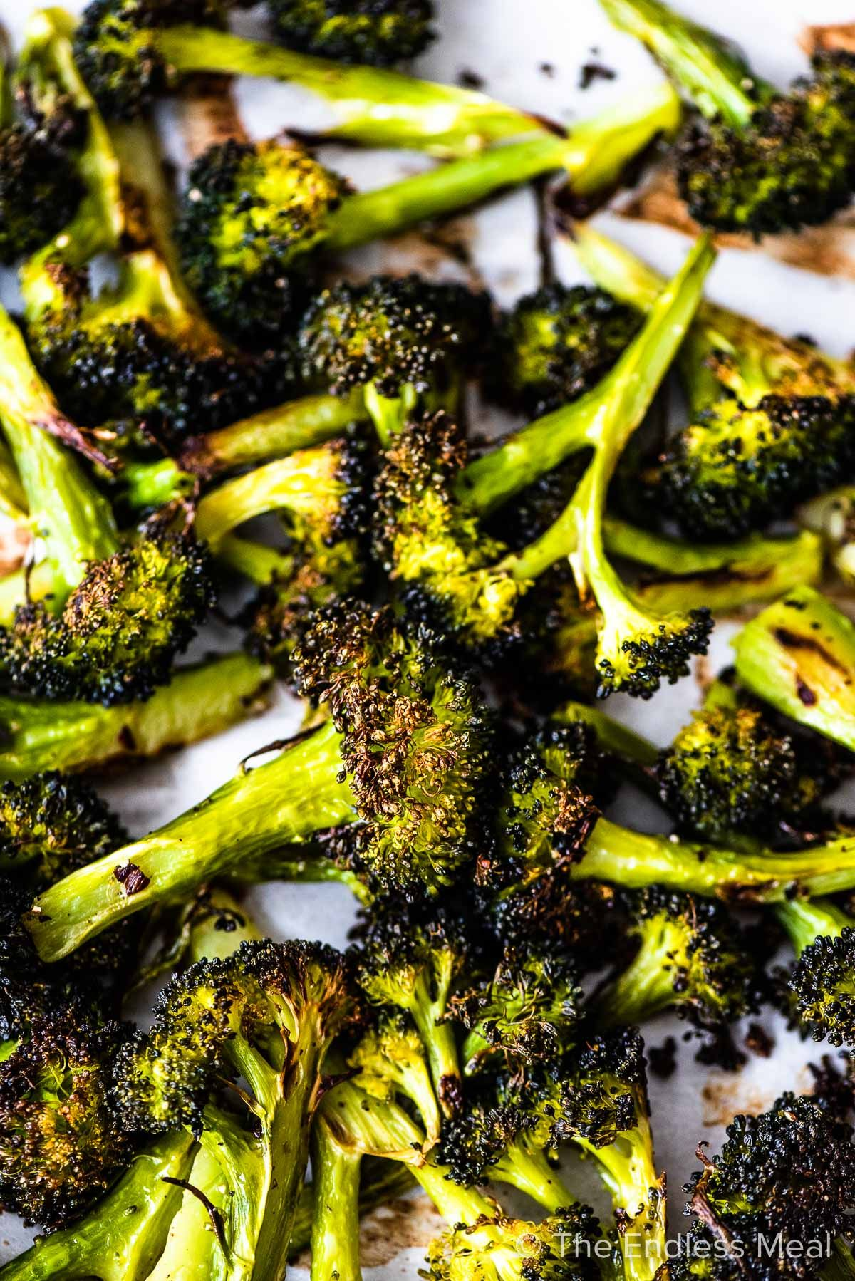 Pin To Save For Later Roasted Broccoli Is The Best Broccoli Ever It S A Super Easy To Make Side Dis Roasted Broccoli Recipe Roasted Broccoli Broccoli Recipes