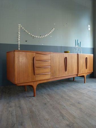 Enfilade Annees 60 En Teck Atelier Charivari Mobilier De Salon Meubles En Teck Meuble Vintage