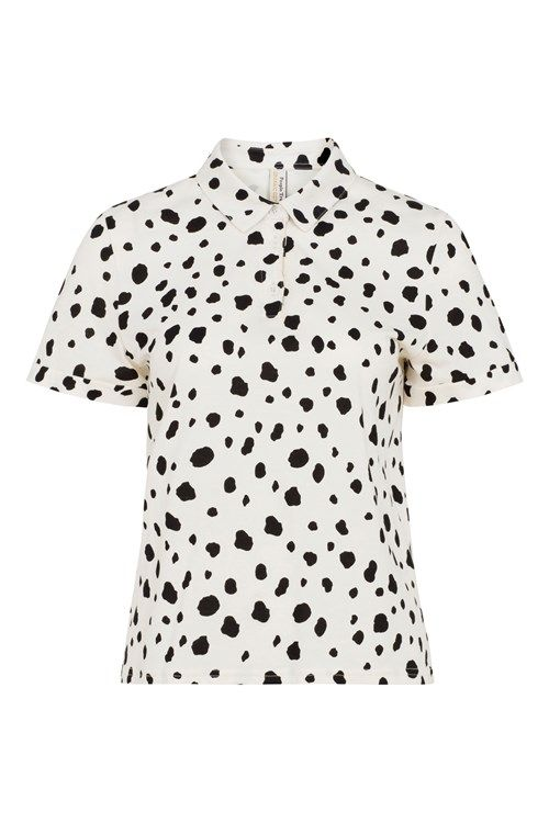 Add interest to our short-sleeved jersey shirt with this playful Dalmatian print. In soft 100% organic cotton.