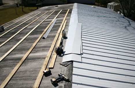 What Are The Pros And Cons Of Metal Roofing Thinking About A Metal Roof Fibreglass Roof Metal Roof Installation Mobile Home Roof