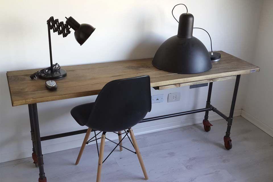 Muebles y accesorios en madera y hierro | Casa de Campo, Industrial ...
