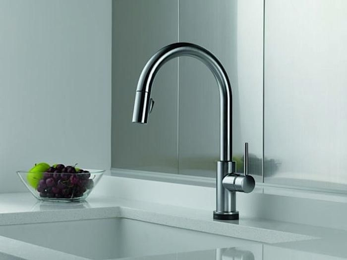 A Style Worthy Touch Sensitive Faucet Kitchen Sink Faucets Delta Faucets Delta Trinsic