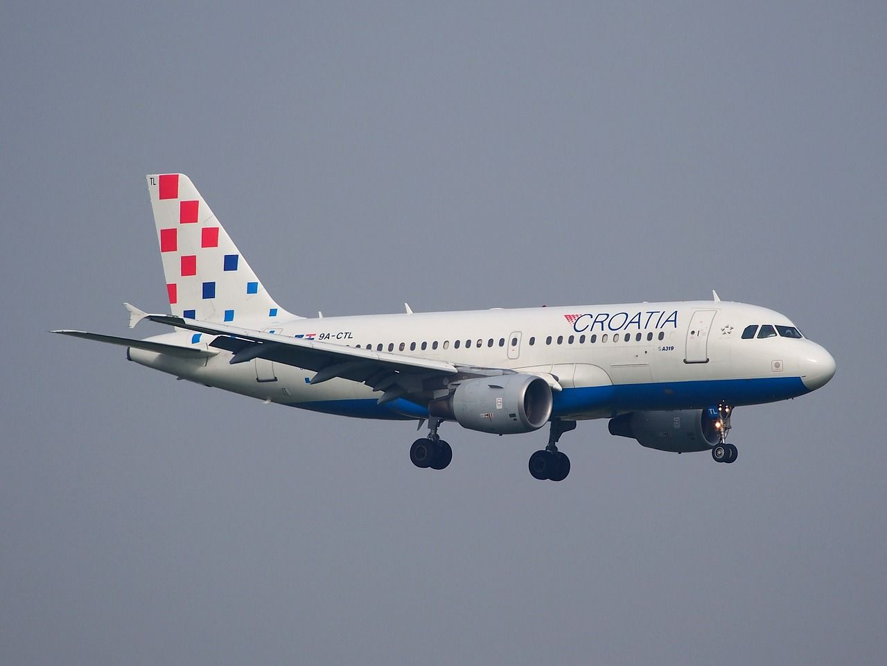 Travel Ctl Landing Croatia Airlines Airplane Jet Travel Ctl Landing Croatia Airlines Airplane Jet Croatia Travel Croatia Travel