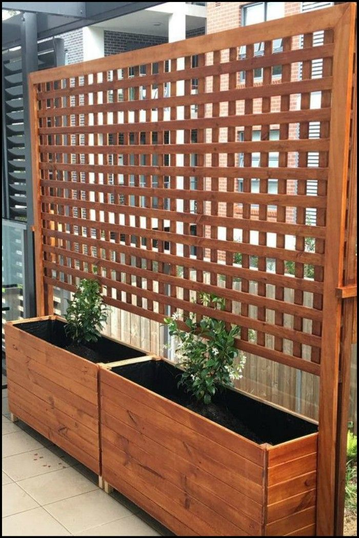 Build a Beautiful Planter With Privacy Screen You Can Put