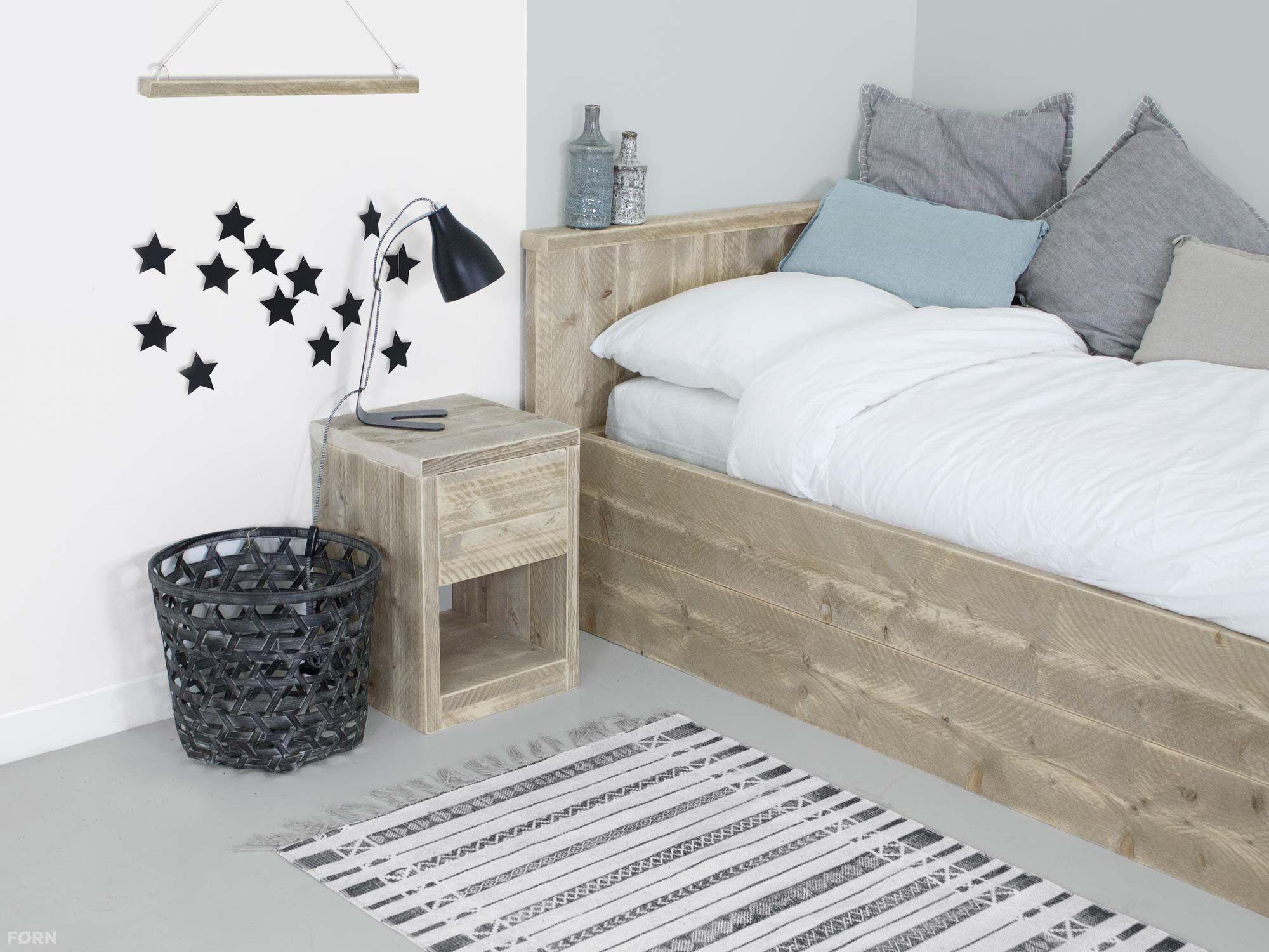 Wohnideen Schlafzimmer Studenten bauholz nachtschrank mit schublade bauholz nachttische bauholz