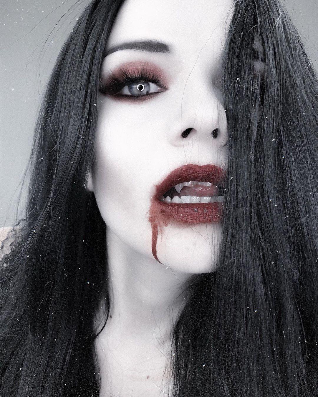 Pin by Elde on eLDe in 2020 Hot vampires, Halloween face