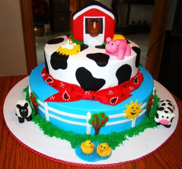 Farm animal cake i love the layers on this and the for Animal cake decoration