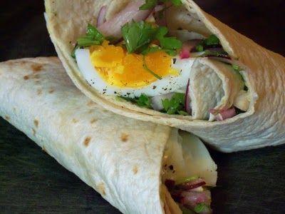 Syrian egg sandwich